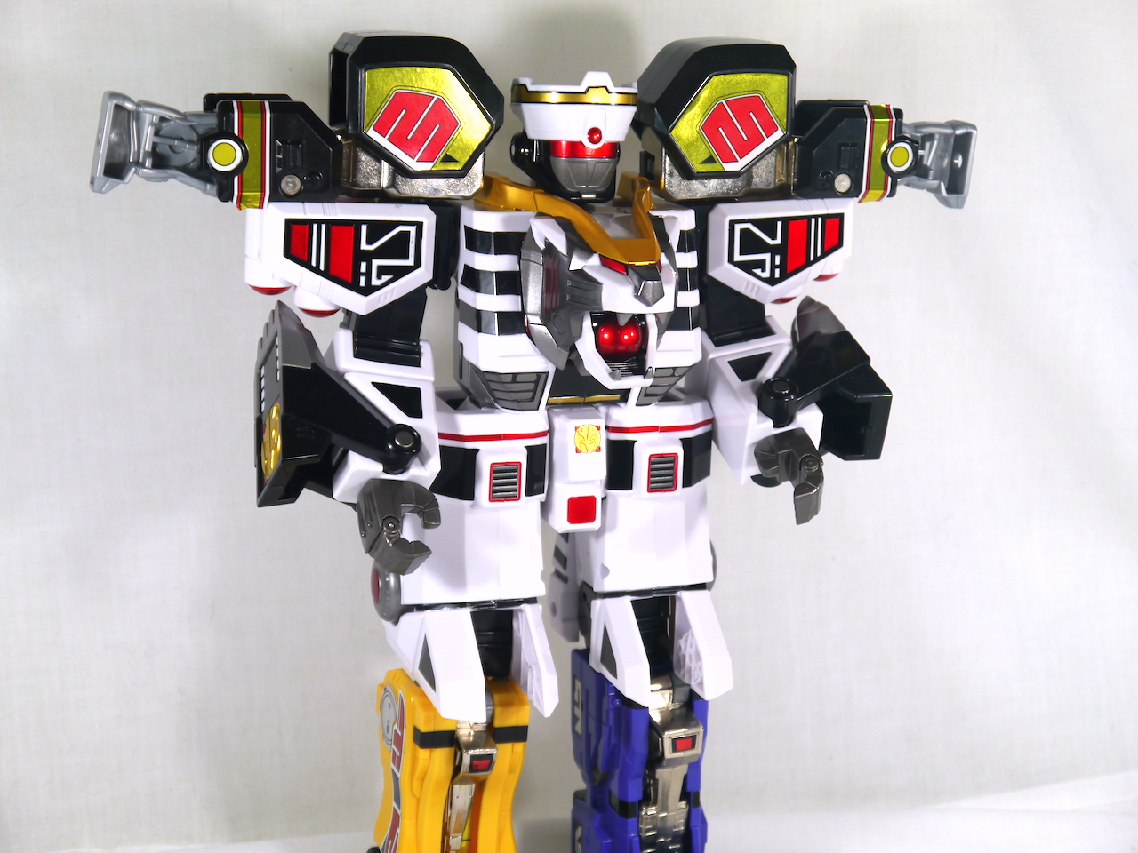 Review Legacy White Tigerzord Mighty Morphin Power